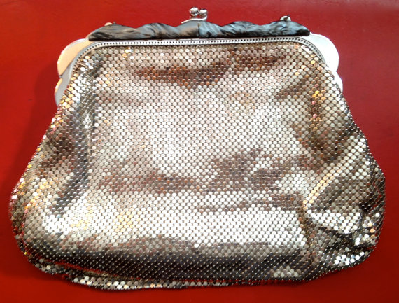 Vintage_silver_silver_mesh_bag_by__Whiting_and_Davis